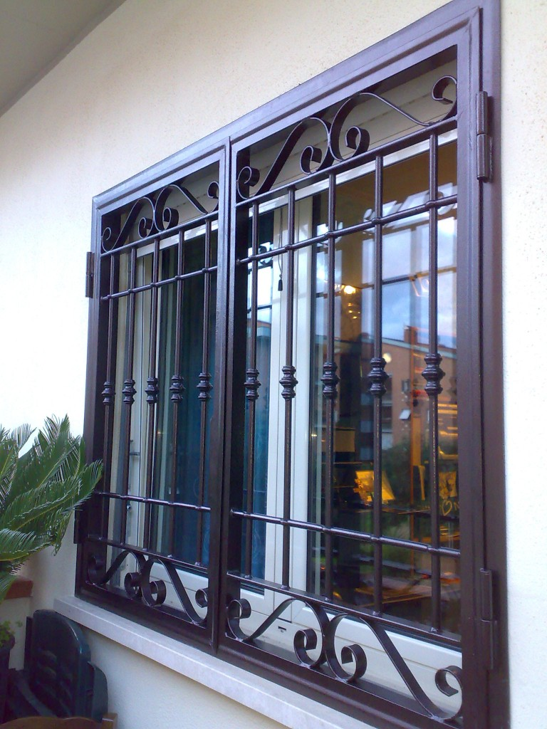 Grate di sicurezza servizio casa milano - Inferriata porta ...